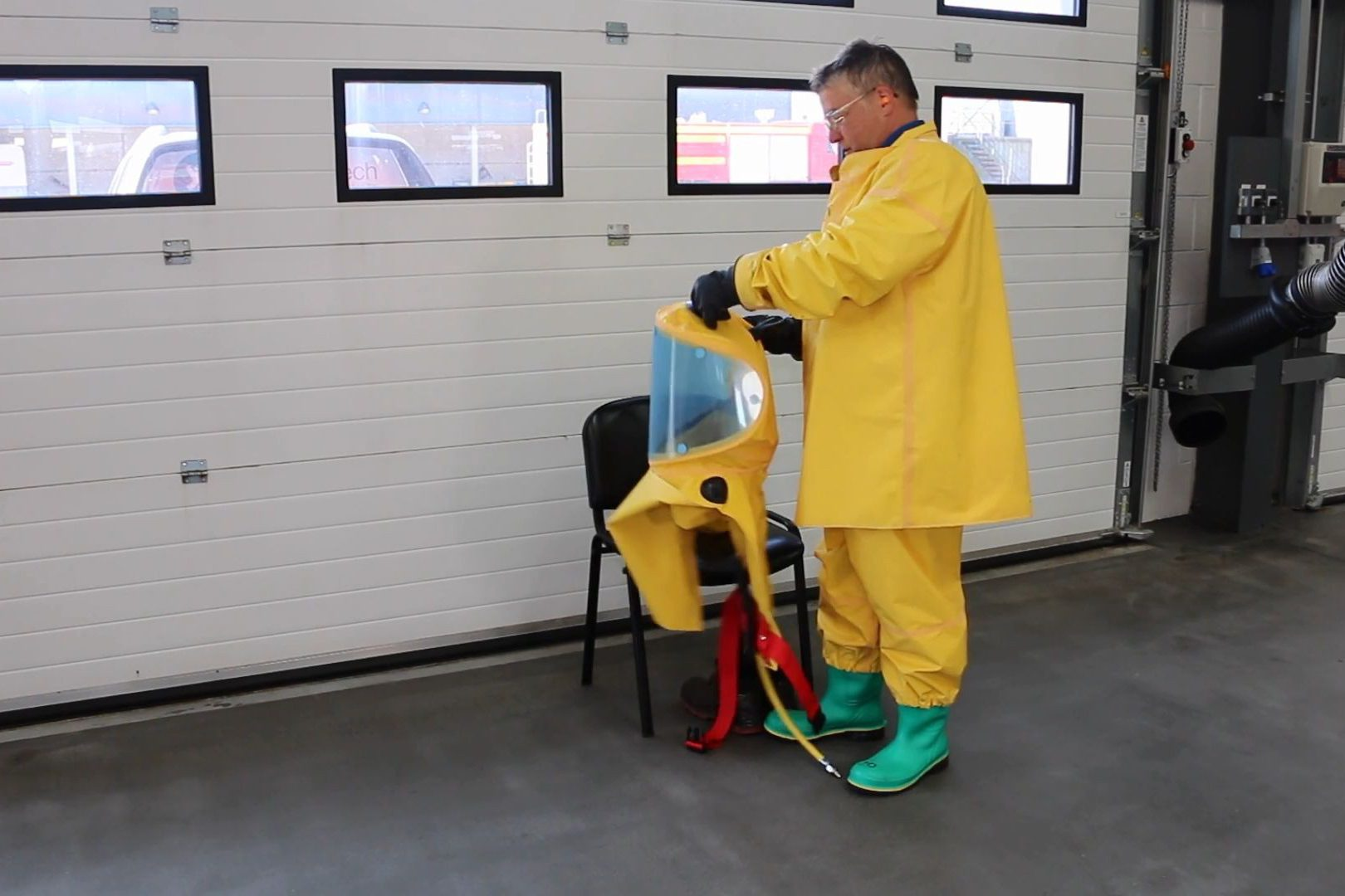 Respirex 供气头罩使用方法